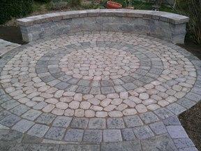 Small Circle Patio with Antika and Mini Creta Sitting Wall