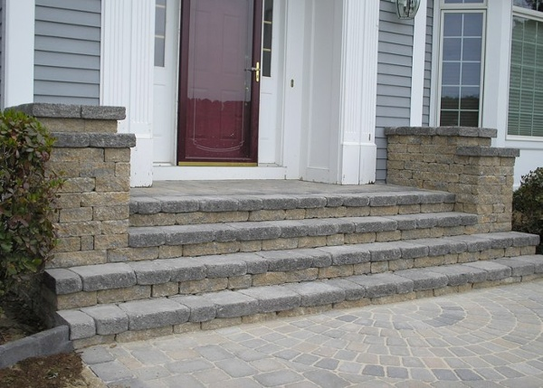 Wide steps to match entry way width.