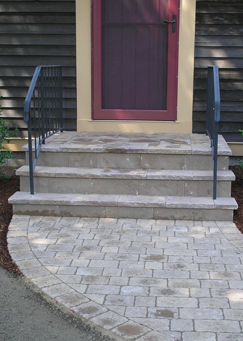 A step and walkway overlay.