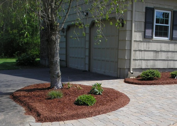 Small planting bed in front walkway by Bahler Brothers in CT