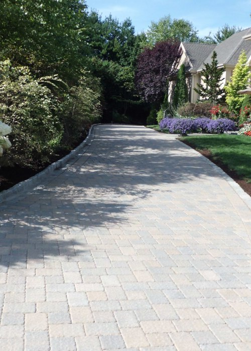 Paver driveway in Simsbury, CT