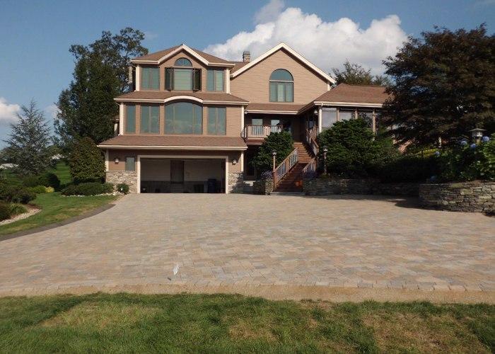 Paver driveway in Ellington, CT