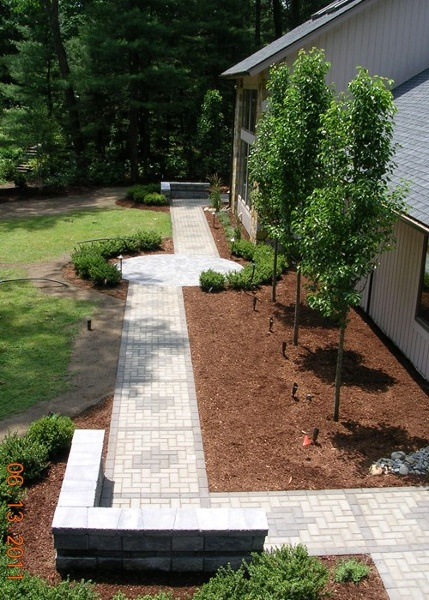 Geometric front walkway and landscaping in Farmington, CT by Bahler Brothers