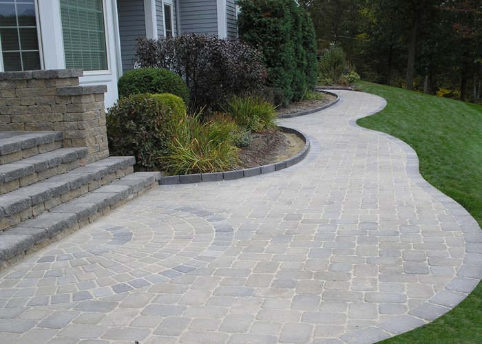 Curved paver walkway and steps installed by Bahler Brothers in Connecticut.