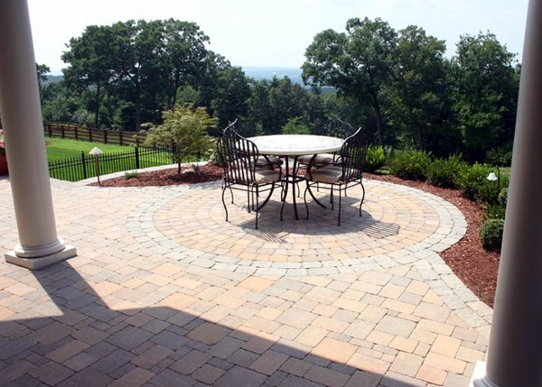 paver patio with a circle inlay by bahler brothers in Connecticut