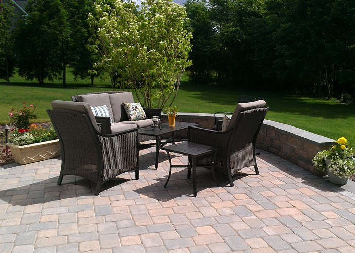 paver patio in Connecticut by bahler brothers