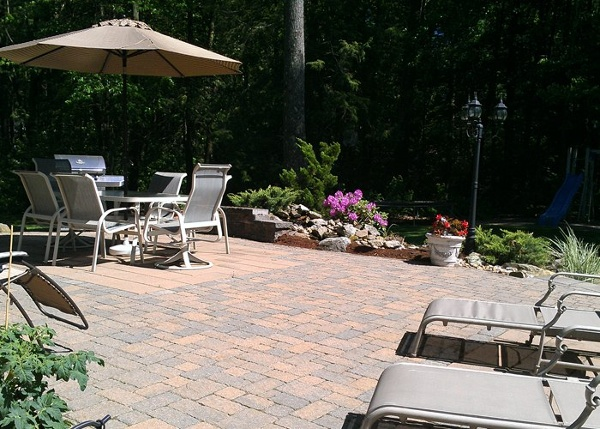 paver patio in Ellington, CT by bahler brothers