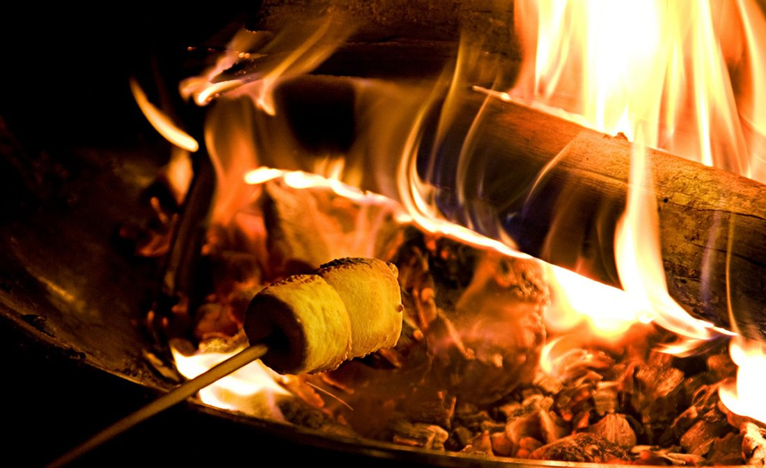 fire-feature-roasting-smores